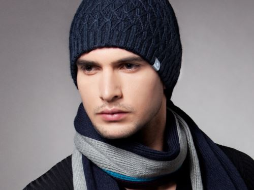На что обращать внимание, выбирая вязаные шапки для мужчин?