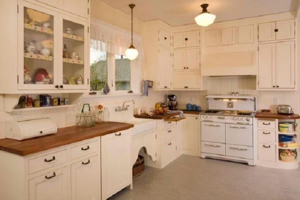У современной женщины должна быть и Современная Кухня! А вы такую хотите себе?
