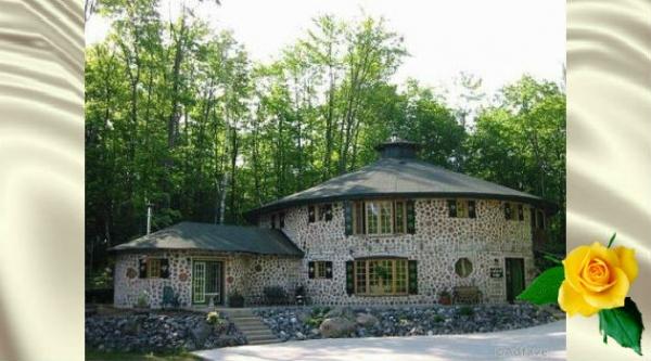 Они построили потрясающий тёплый дом из дерева!