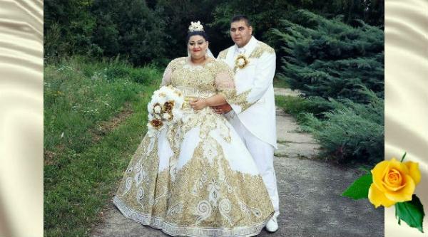 У этой девушки было золотое платье на свадьбе