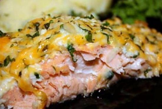 Рецепт вкусной горбуши, запеченной в духовке на картошке