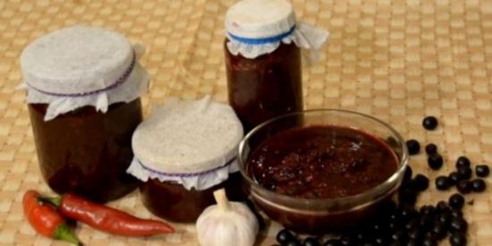 Что приготовить из черноплодной рябины