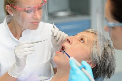 Стоматологические услуги на дому - востребованная помощь для пожилых людей