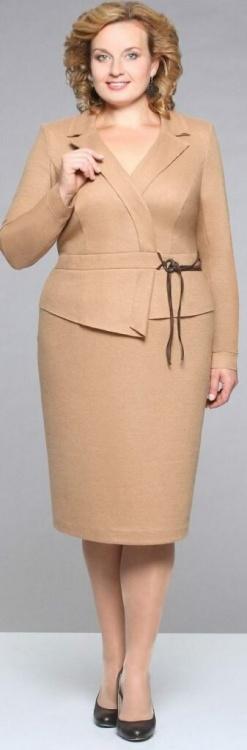 Как выигрышно одеваться девушкам с большими объемами