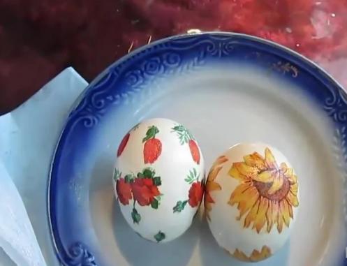 Декор пасхальных яиц без покраски с декупажным мелким узором
