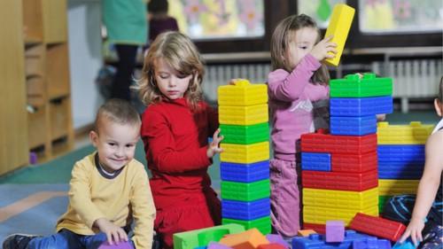 С какого возраста лучше отдавать ребенка в садик